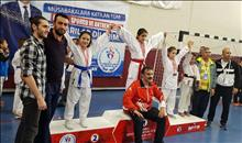Karate'de 2 Madalya